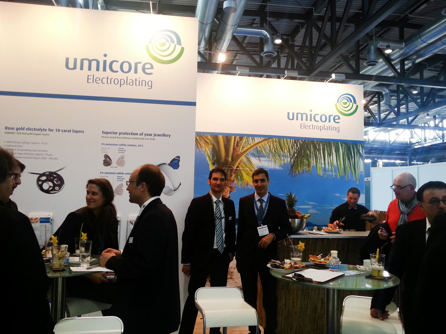 N-Jewellery-Techniques-Director-Mehernosh-Printer-at-Umicore-Stall-in-Freiburg-exhibition-Germany-March-2015-2